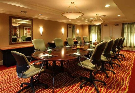 Stamford, CT: Skyline Boardroom