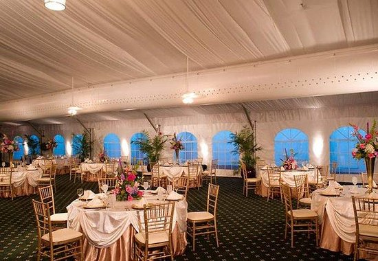 Berkeley, MO: Grand Pavilion Wedding Banquet