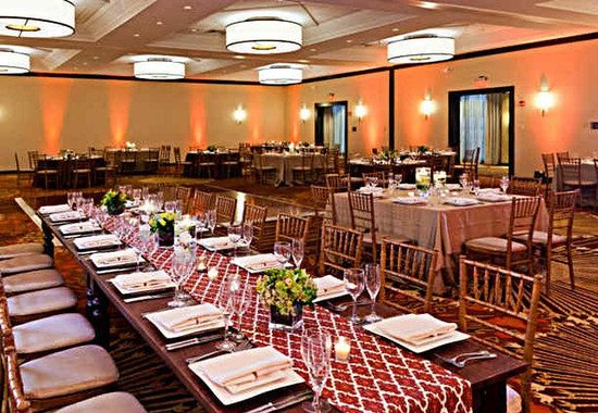 Crystal City Marriott at Reagan National Airport: Grand Ballroom - Reception Set Up