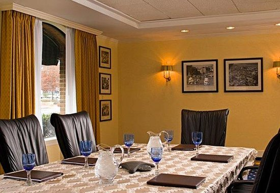 Annapolis Marriott Waterfront: Executive Meeting Room