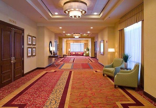 Chesterfield, MO: Grand Ballroom Foyer