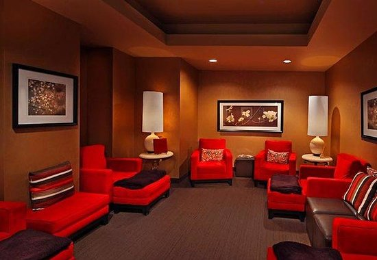 Groton, CT: Red Door Spa Relaxation Room