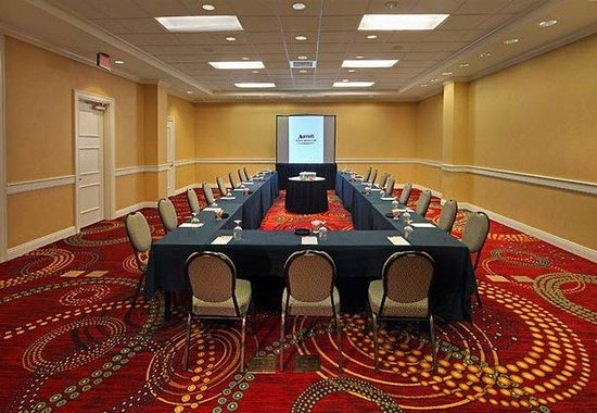 Groton, CT: Conference Room - U-Shape Style