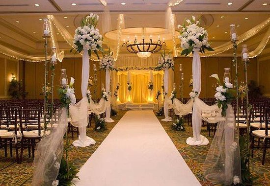 Delray Beach Marriott: Ballroom Ceremony Set Up