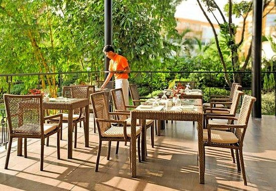 ‪‪Marriott Cebu City‬: Al Fresco Dining‬