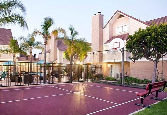 Costa Mesa, CA: Sport Court