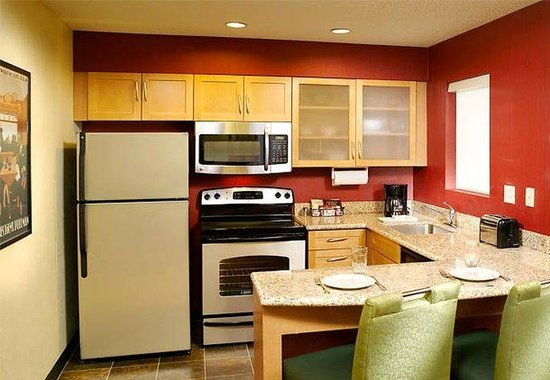 Brentwood, TN: Two-Bedroom Suite Kitchen