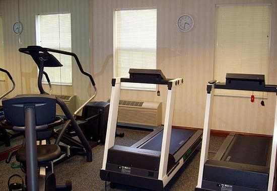 Palmdale, CA: Exercise Room