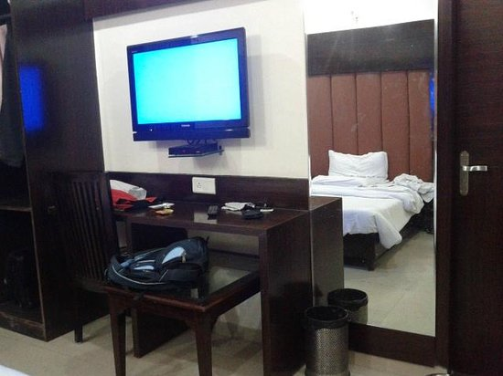 Hotel Mohan International: Room 405