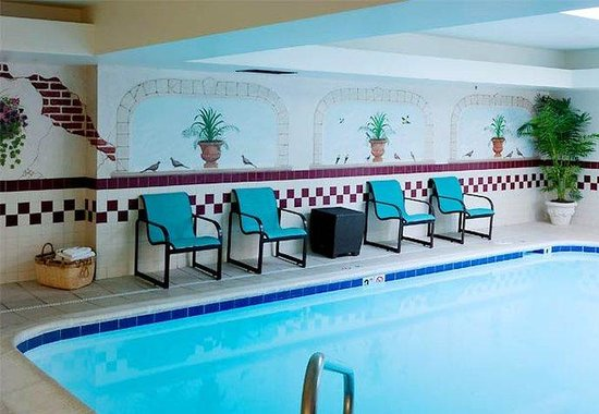 Residence Inn Kansas City Country Club Plaza: Indoor Pool