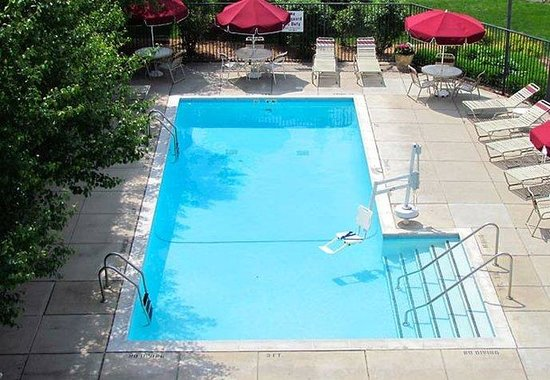 Livonia, MI: Outdoor Pool