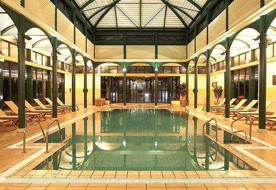 Bailly-Romainvilliers, France: Indoor Pool