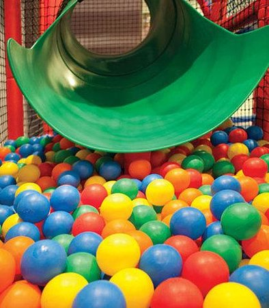 Marriott's Marbella Beach Resort: Pepe's Kids Club – Ball Pit