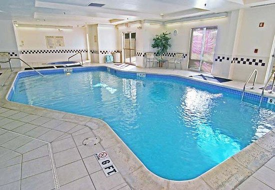 Altamonte Springs, FL: Indoor Pool & Whirlpool