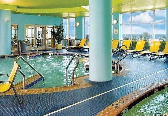 SpringHill Suites Virginia Beach Oceanfront: Oceanside Indoor Pool