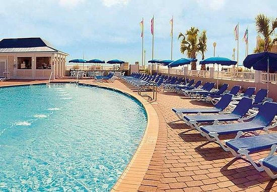 SpringHill Suites Virginia Beach Oceanfront: Oceanfront Outdoor Pool