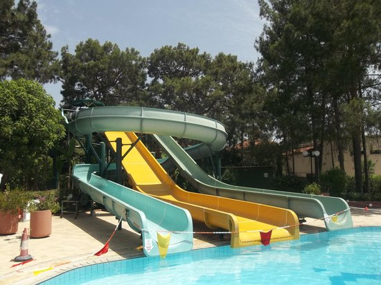 Renaissance Antalya Beach Resort & Spa: Waterslides