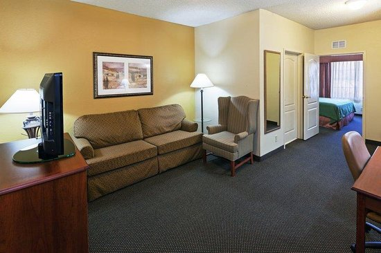 Country Inn & Suites: CountryInn&Suites Norman    OneBedroomSuite