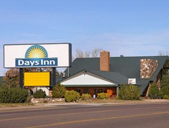 Welcome to the Days Inn Show Low