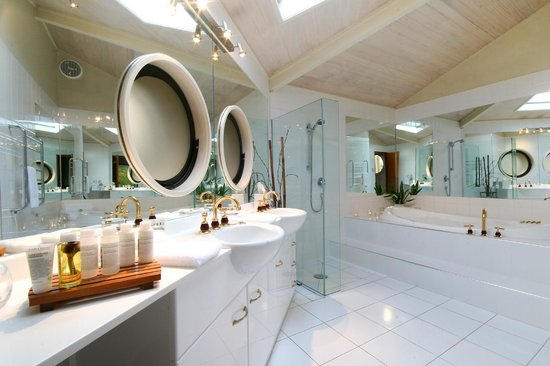 Solitaire Lodge: Bathroom