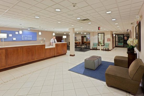 Holiday Inn Express Charleston / Southridge: Hotel Lobby