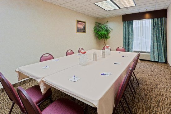 Holiday Inn Express Charleston / Southridge: Boardroom