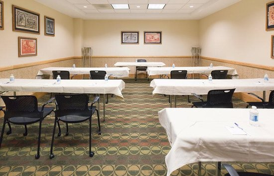 Holiday Inn Express Springfield: Express Board Room- Perfect for a small meeting