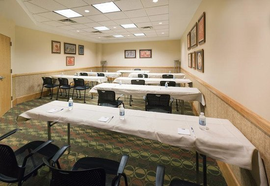 Holiday Inn Express Springfield: Express Board Room Classroom Set at Holiday Inn Express Spfld