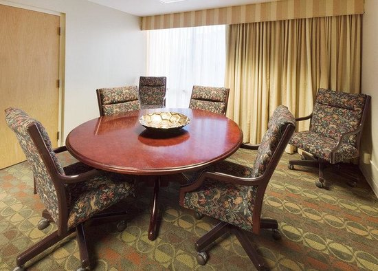 Holiday Inn Express Springfield: Boardroom