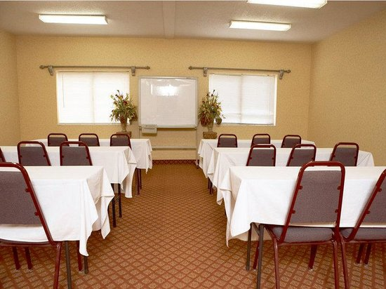 Evansville, IN: Meeting Room