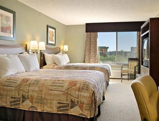 Wingate by Wyndham Scottsdale: Standard Two Queen Bed Room