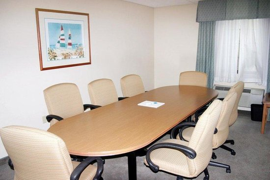 Staybridge Suites Naples: Heron Boardroom, seats up to 10 people, conference style