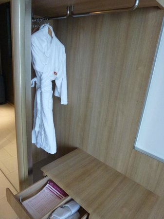 Crowne Plaza Changi Airport Hotel : Club King room