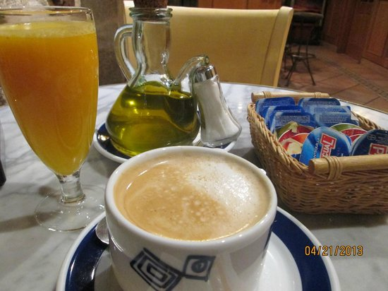 Hotel Costa Vella: Early morning breakfast