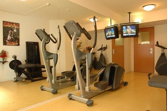 Holiday Inn Berlin City Center East-Prenzlauer Allee : Fitnessraum