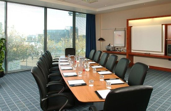 Crowne Plaza London - Docklands: Exec Boardroom