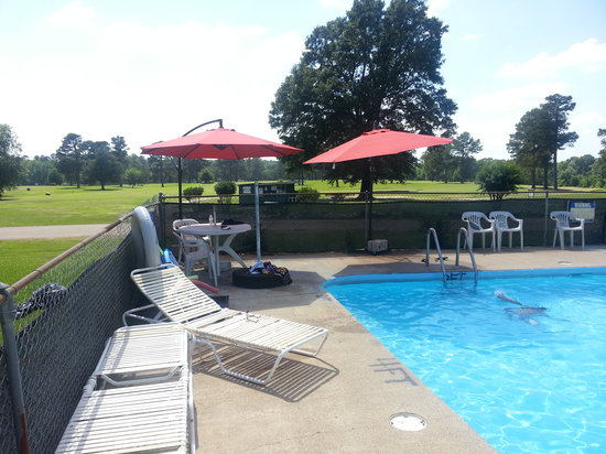 The Lodge at De Queen Country Club