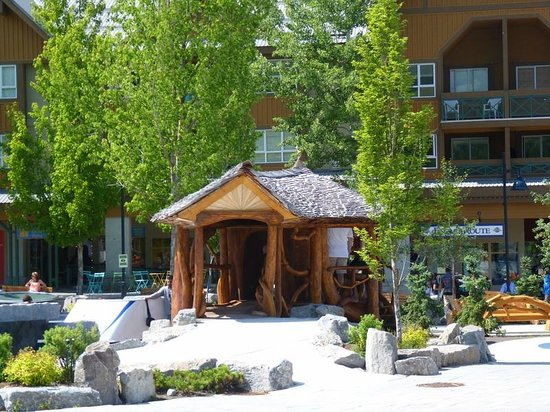Crystal Lodge Hotel: Around and about