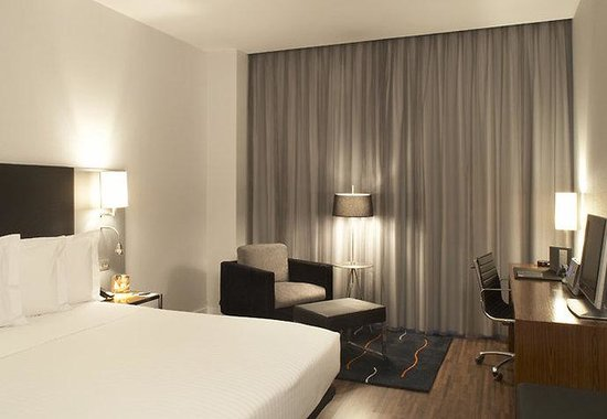 AC Hotel Palau de Bellavista by Marriott: Standard Guest Room