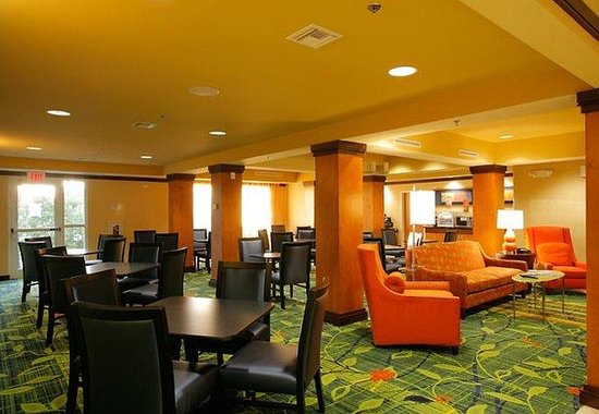 Fairfield Inn & Suites Melbourne Palm Bay/Viera: Breakfast Room