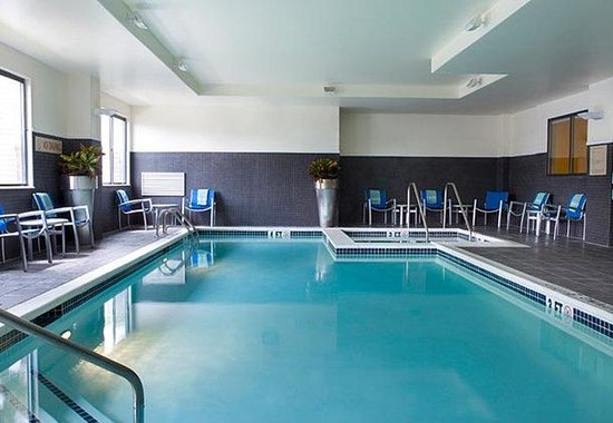 TownePlace Suites by Marriott Harrisburg Hershey: Indoor Pool & Hot Tub