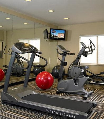 TownePlace Suites by Marriott Harrisburg Hershey: Fitness Center