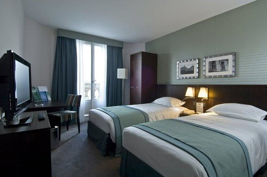 Holiday Inn Paris-Gare de L'Est: Guest Room