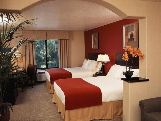 Holiday Inn Express Hotel & Suites Hollywood Hotel Walk of Fame: Hollywodd Walk of Fame Double Bed Guest Room
