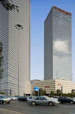 Crowne Plaza Tel Aviv City Center: Hotel Exterior