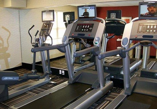TownePlace Suites Republic Airport Long Island/Farmingdale: Fitness Room