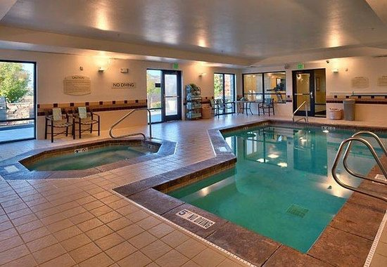 Lehi, UT: Indoor Pool & Hot Tub