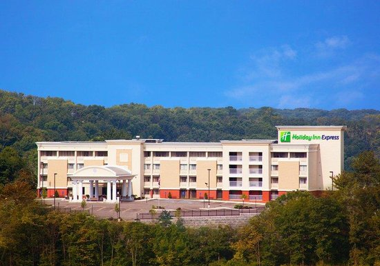 Holiday Inn Express Cincinnati West: Hotel Exterior