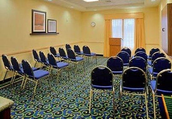 SpringHill Suites Naples: Meeting Room