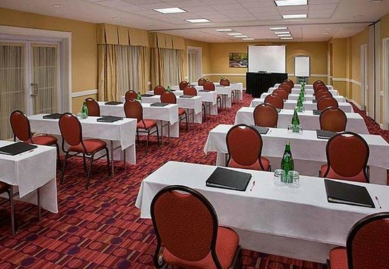 Residence Inn By Marriott Gravenhurst Muskoka Wharf: Meeting Room